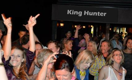 rediscover the party band - King Hunter